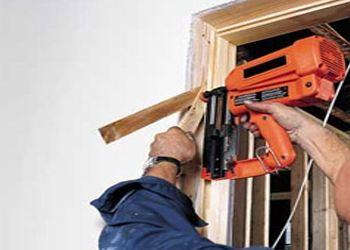 Специалисты рассказали об особенностях установки современных межкомнатных дверей