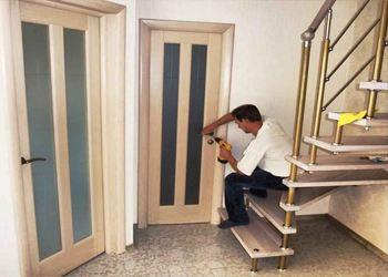 Лучше вызвать замерщика с фирмы, у которой приобреталась дверь