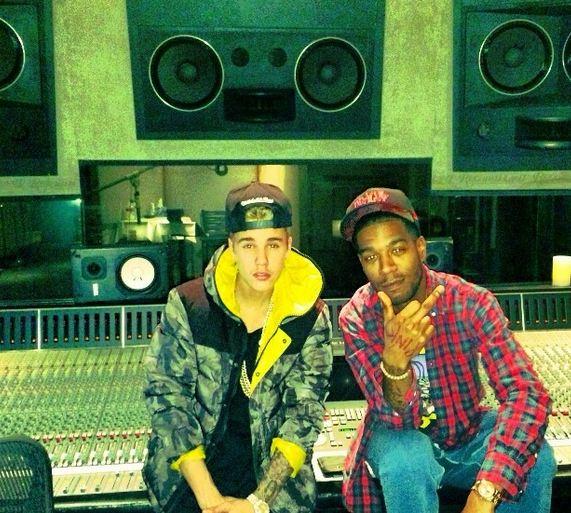 Бибер опубликовал фото из музыкальной студии