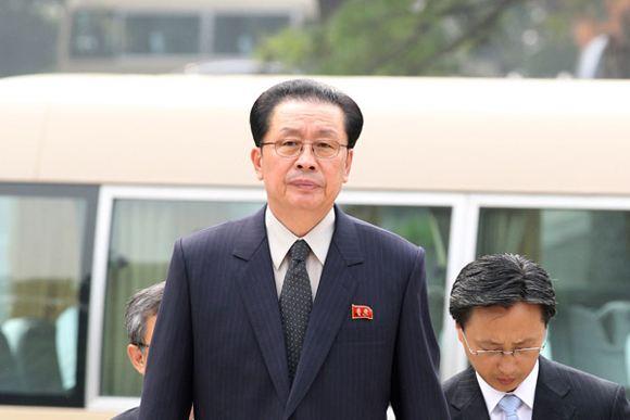 Чан Сон Тхэка, вопреки сообщения прессы, просто расстреляли