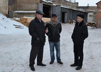 Константин Грошев побывал в Каменском районе на одном из предприятий по производству стройматериалов