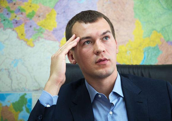 Депутат от ЛДПР предлагает разместить на школьной форме двуглавого орла