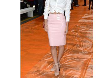 Модная юбка из винила является стильной деталью гардероба в 2014 году