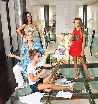 Екатерина Стриженова в кругу семьи