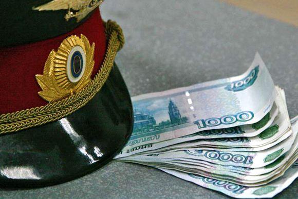 Инспектор ДПС в Москве был задержан за взятку в 5 тысяч рублей