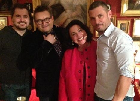 Nadezhda Babkina and Evgeny Gore look very happy on the photo
