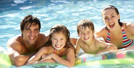 В аквапарк Водопад чудес магнитогорцы приходят семьями