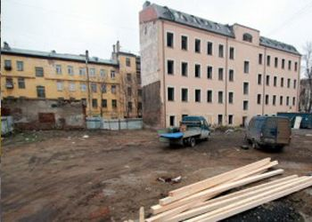 В Петербурге по решению суда снесут многоквартирный дом