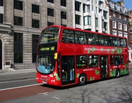 Первые автобусы в Лондоне - уже на маршрутах