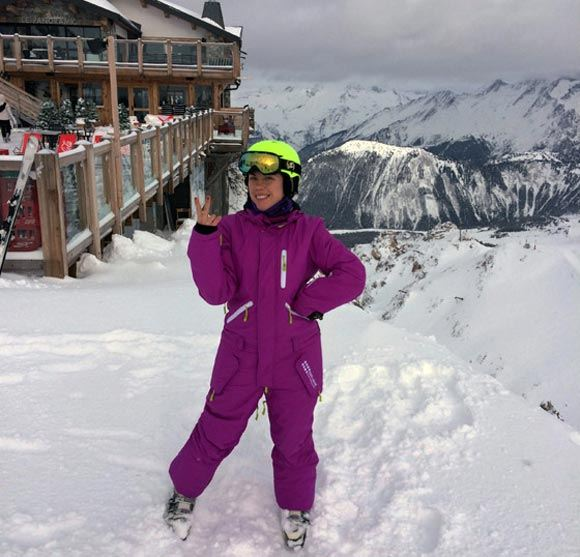 Анна Хохлова с легкостью встала на лыжи