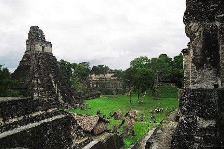 В национальном парке Тикаль расположен старинный город майя