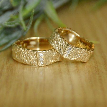 Рельефные кольца
