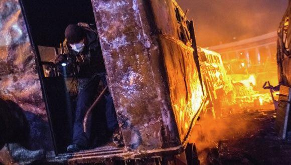 Николай Азаров считает участников беспорядков на улицах украинской столицы преступниками