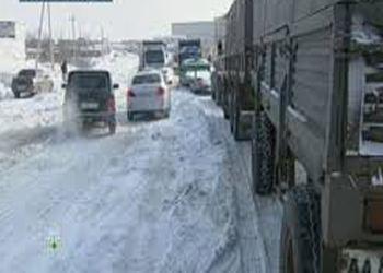 В Волгограде всю ночь расчищали улицы от снега