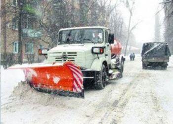 Коммунальщики Волгограда всю ночь расчищали улицы города от снега