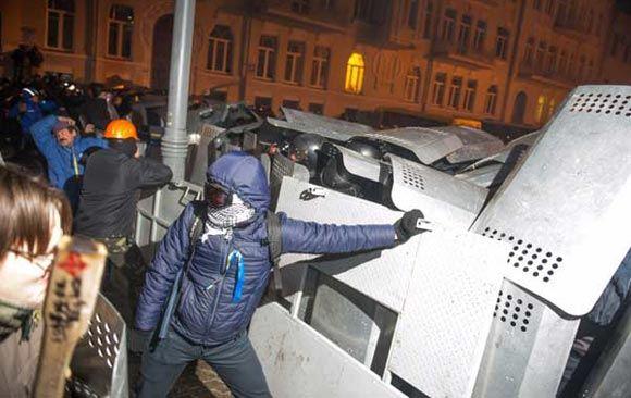 США осудили насилие на Украине