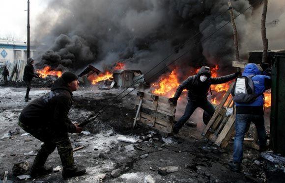 Виталий Кличко призывает демонстрантов к перемирию