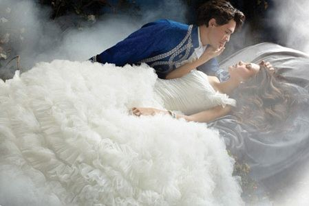Кульминационный момент свадьбы в стиле Спящая красавица