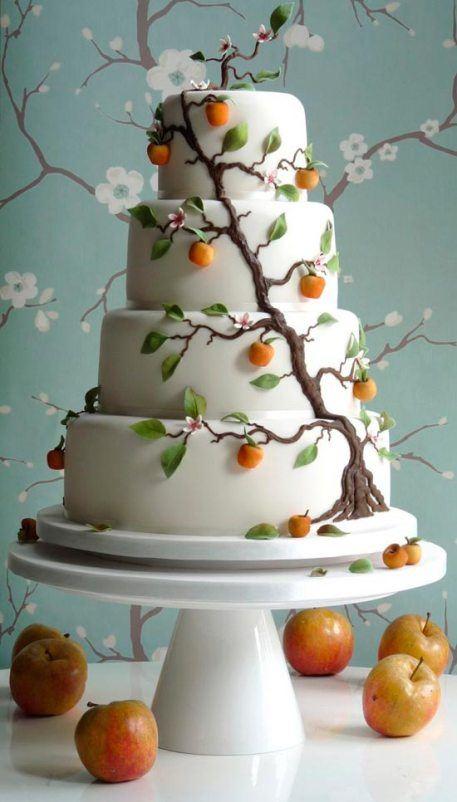 Красивый торт для свадьбы в сказочном стиле