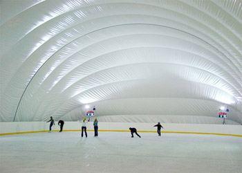В спорткомплексе разместят каток с искусственным льдом