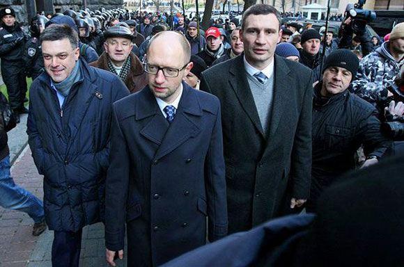 Арсений Яценюк и Виталий Кличко отказались занять место в правительстве Украины