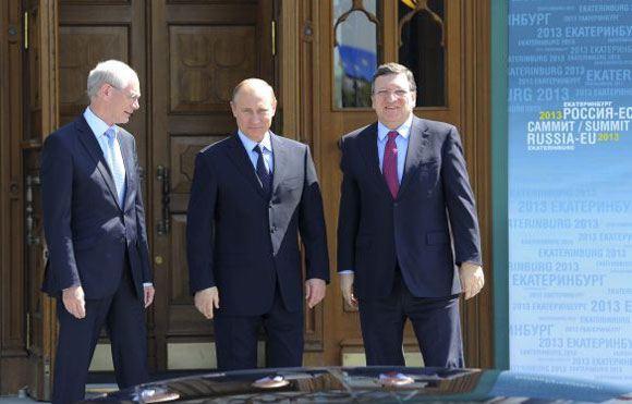 Путин не планирует пересматривать условия выданного Украине кредита