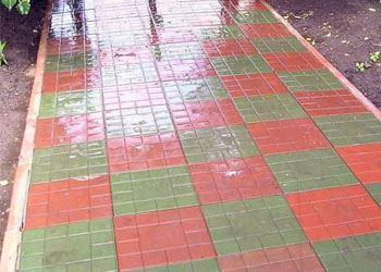 Тротуарная полимерпесчаная плитка имеет массу преимуществ