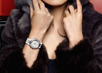 Сейчас в моде часы с металлическими браслетами