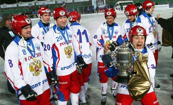 Россияне победили в чемпионате мира по хоккею с мячом