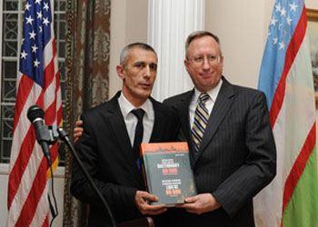 Презентация узбекско-английского словаря проходила в Ташкенте