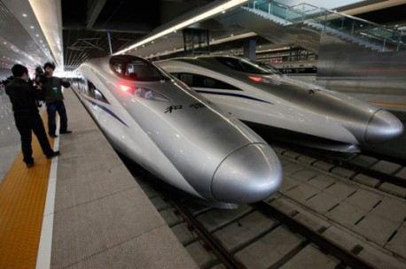 Новые китайские поезда торопятся в дорогу