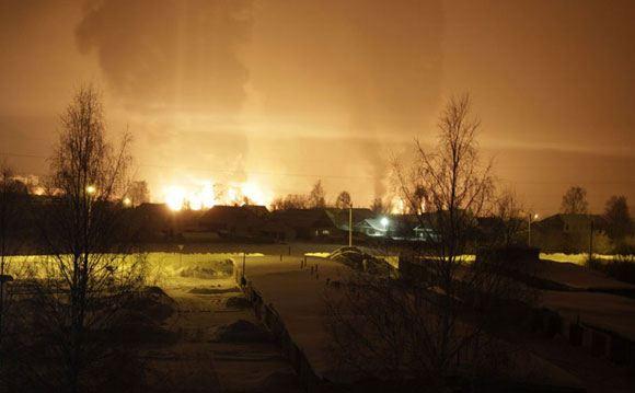 В Кирове только утром удалось потушить сошедшие с рельсов вагоны с газом