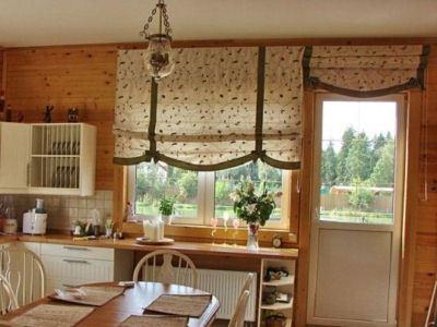Дизайн шторы на окне кухни