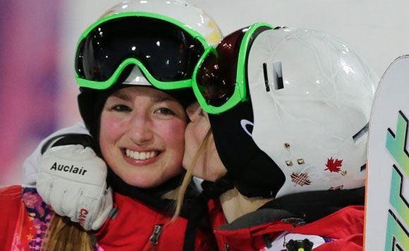 Жюстин и Хлоя Дюфур-Лапоинт взяли «золото» и «серебро» в соревнованиях по могулу