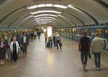 В Минске названия станций в метро будут объявлять на английском