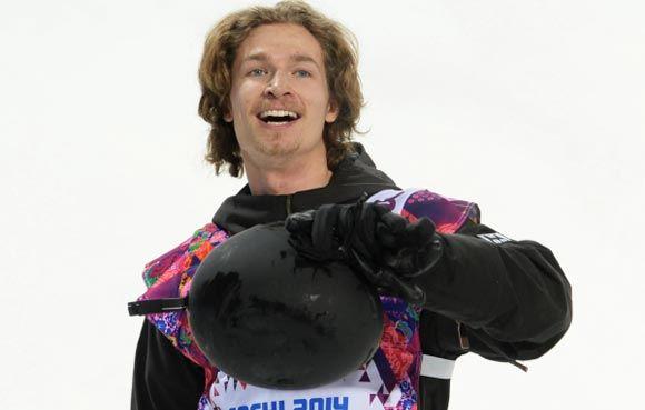 Выступающий за Швейцарию сноубордист Юрий Подладчиков выиграл золото в хафпайпе.