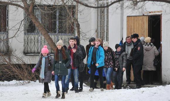 «Школьного стрелка» обвиняют в захвате заложников