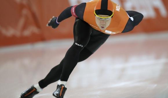 Конькобежец из Голландии взял «золото» на дистанции 1000 метров