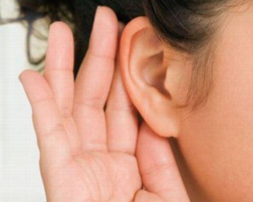 Ученые разработали имплантат для слабослышащих без проводов