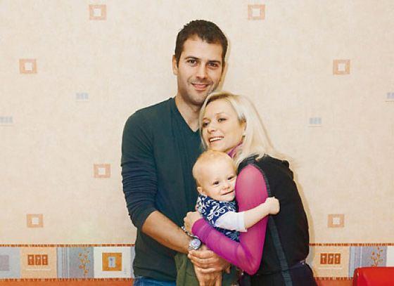 Elena Berezhnaya, Stephen Cousins and their son Tristan