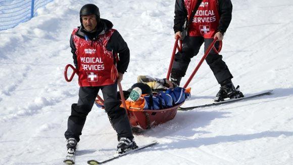 Сноубордистка из США упала во время квалификационных заездов