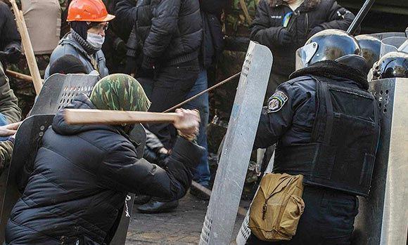 Счет пострадавших во время столкновений в Киеве пошел на сотни