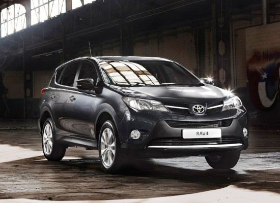 Toyota выпустит новый вариант кроссовера