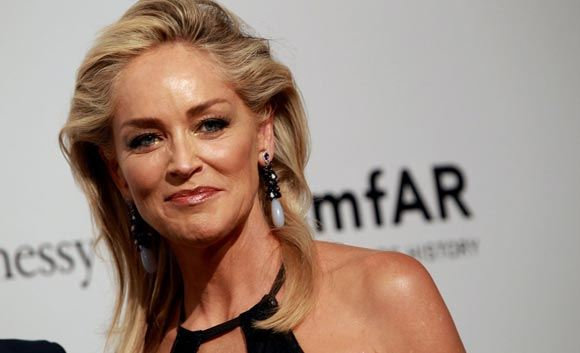 Шерон Стоун подала в суд из-за фильма о Хемингуэе