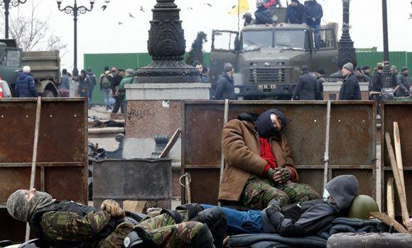 24 февраля в Киеве начнут убирать баррикады