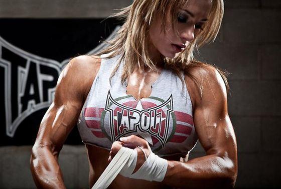Спортивное питание помогает увеличить мышечную массу