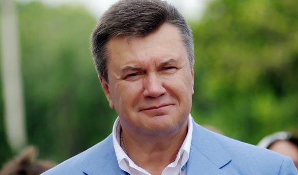 Янукович просит защитить его от «экстремистов»