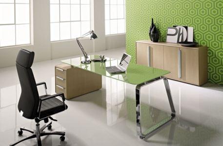 В моде позитивные цвета мебели и стен офиса