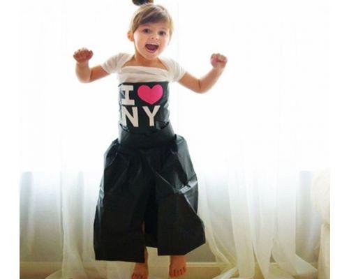 Энджи Кайзер и ее дочь Mayhem создали коллекцию платьев из бумаги