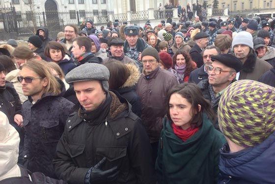 В столице задержали десятки протестующих против военной операции в Крыму